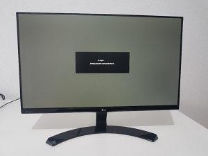 "24 "" LG full hd IPS monitor sa tankim ivicama"