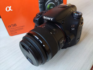Sony SLT-A58 (Alpha 58) + DT 55-200mm Telephoto