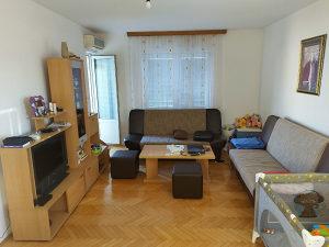 Izdajem namiješten stan  u centru Bijeljine