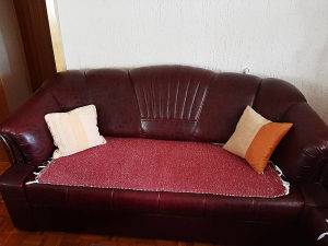 Namještaj (eko koža, dvosjed, trosjed, kauč)