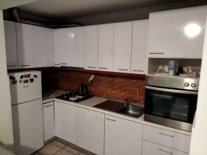 Kuhinja bijela drvo