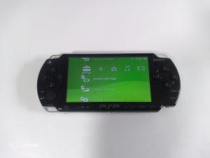 SONY PSP (RUCNA KONZOLA)