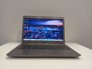 Laptop Samsung Series 5 Ultra/6GB RAM/AMD 1,5GB GRAF