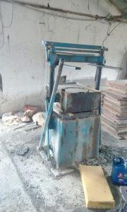 Masina za proizvodnju bloka i betonskih elemenata