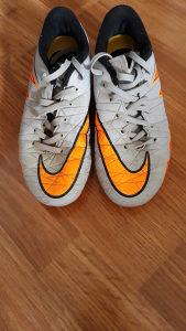 Kopačke Nike br 38,50
