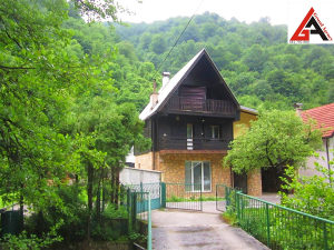 Kuća 150 m2 965 m2 okućnice (Babino) ZENICA