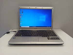 "Laptop Samsung 15,6"" Core i5/ 4GB ram/ 1GB Grafika"