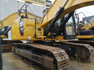 Bager Cat 323F LN