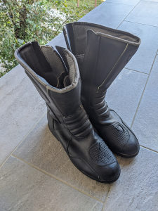 Dainese cizme za motor 44