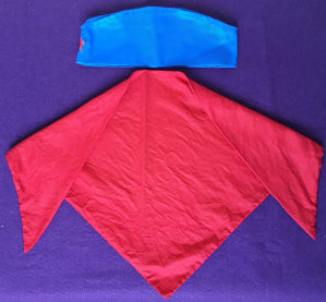 Kapa pionirska i marama