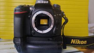 Nikon D7100 + grip (80k)