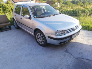 Volkswagen Golf 4 1.6B