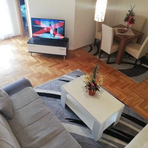 Stan na dan strogi centar Banja Luka 065 722 220 VIBER
