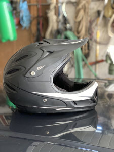 Enduro kros motokros kaciga