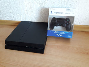 PS4 1000GB + FORTNITE ONLINE