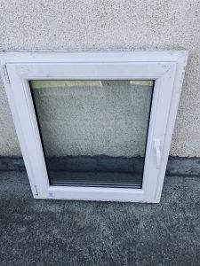 Prozor plasticni