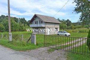 Kuca-vikendica 57 m2 na parceli 633 m2,S.Lipnica, Tuzla