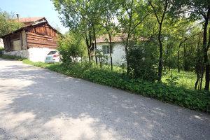 Stara kuća i Zemlja u naselju Grm, Zenica
