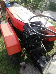 Traktor Tomo Vinkovic 821