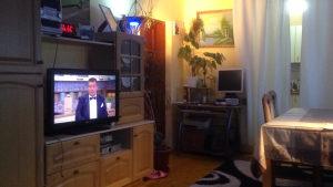 prodajem novu Tv vitrinusa TV aparatom pod garancijom
