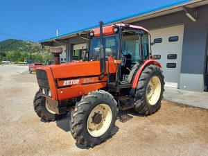 Traktor Zetor 8540