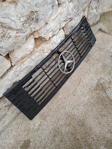 Maska prednja Mercedes 508
