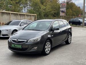 Opel Astra Sports Tourer Benzin 1.4 74 kw 2012