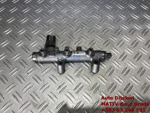 RAMPA goriva Audi A5 A6 3,0 TDI 2012 059130089BS