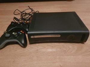 XBox 360 konsola i igrice