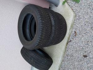 Zimske gume SAVA 215/60 R16