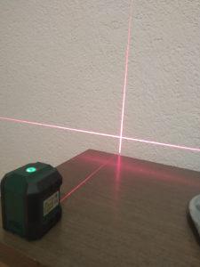 Laser krizni samonivelirajuci