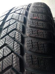 Zimske gume Pirelli 205 50 17