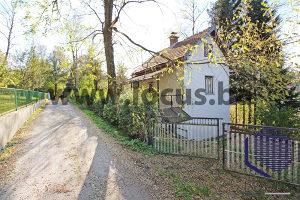 LOCUS prodaje: Vikendica i dvorište, Pazarić, Hadžići
