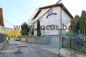 LOCUS prodaje: Kuća sa velikim dvorištem, Novo Sarajevo