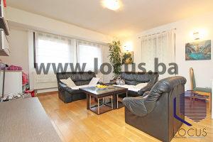 LOCUS prodaje: Dvoetažni stan sa dva balkona, Vogošća