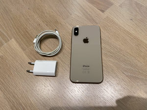 IPhone XS 64gb Gold GARANCIJA
