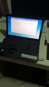 Laptop Acer aspire 5737Z