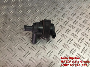 Pomoćna pumpa vode Audi A4 B8 1,8 TFSI 2008 06H965561