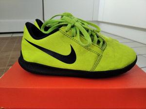Kopacke Nike Phantom Venom Club IC vel. 28,5