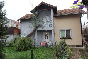 Kuća sa dva stana u gradu površine 98m2! D:1496/EN
