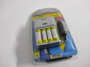 Punjač za bateije AA AAA, auto punjač 12V, + baterije
