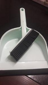 Lopatica sa silikonskom cetkom
