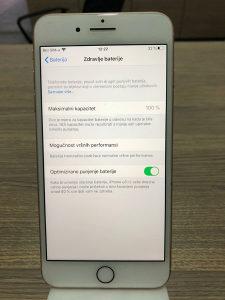 IPhone 8+ 64gb zlatni