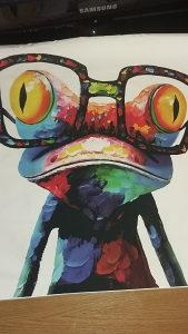 Slika na platnu sa šarenom žabom apstraktni dekor