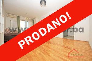 PROSTOR prodaje: Trosoban stan sa dva balkona, Stup