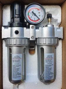 Regulator zraka odvajac vlage i ulja