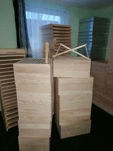Oprema za pčele, sanduci, ramovi, satne osnove