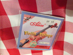 komplet zica za violinu marke ALICE 4 kom.