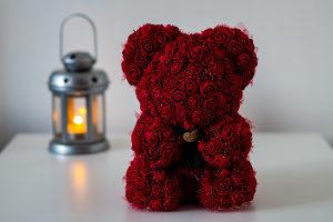 Medo od ruža, poklon, rođendan, godišnjica, ruže