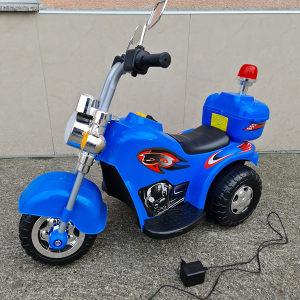 POLICISKI MOTOR NA PUNJIVU BATERIJU